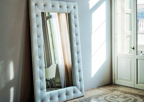 Зеркало в мягкой обивке Чебоксары