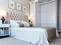 Фотография №15 интерьер спальни кровать с каретной стяжкой