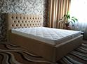 Фотография №48 интерьер спальни кровать с каретной стяжкой